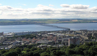 Dundee Panorama - Attribution: Public domain, from Wikimeda Commons, https://commons.wikimedia.org/wiki/File:Taybridge-panorama.jpg