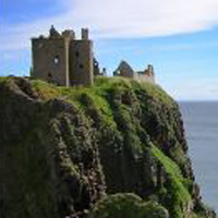 Dunnottar castle Attribution: Macieklew CC licence 3.0 https://creativecommons.org/licenses/by-sa/3.0/deed.en - https://commons.wikimedia.org/wiki/File:Dunnottar_Castle_2007-08-25_(1).jpg