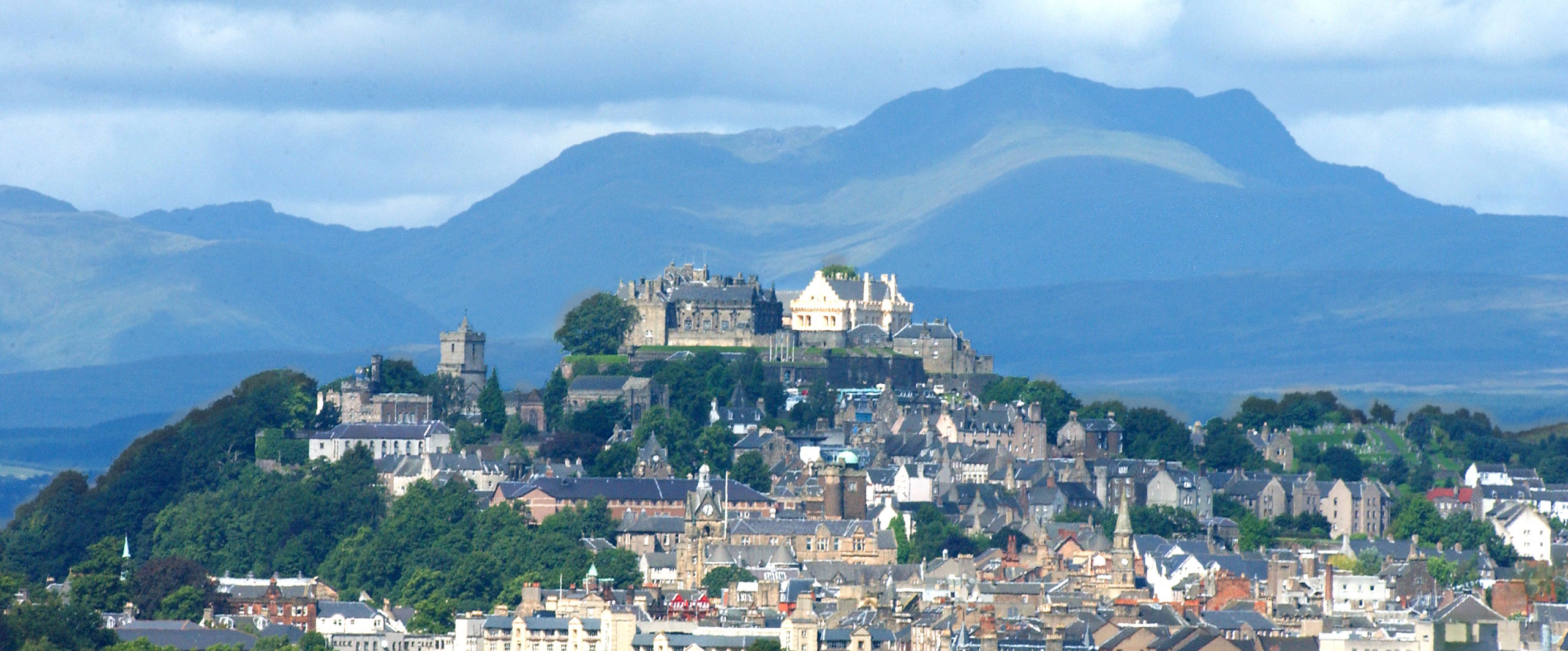 Stirling castle - Attribution: Stirling Council  Licence: CC 2.0 https://creativecommons.org/licenses/by/2.0/deed.en Source:  https://commons.wikimedia.org/wiki/File:Stirling_Castle_(5455709703).jpg